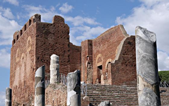 Capitolium di Ostia Antica [Foto: U. Bucko (CC BY 2.0)]