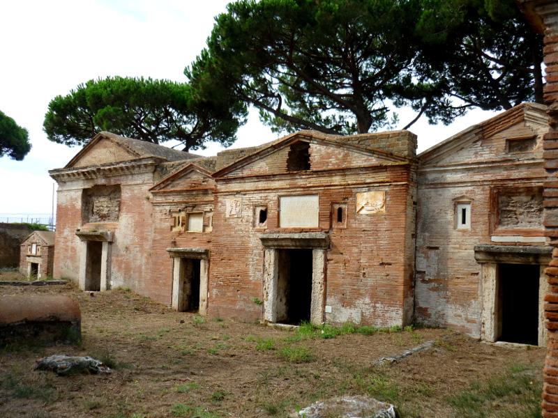 OmoGirando la Necropoli di Isola Sacra e Portus - Fiumicino (RM), 7 dicembre Necropoli-2
