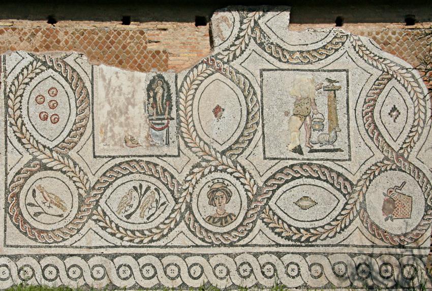 Mosaico nel giardino dell'Insula dei Dipinti