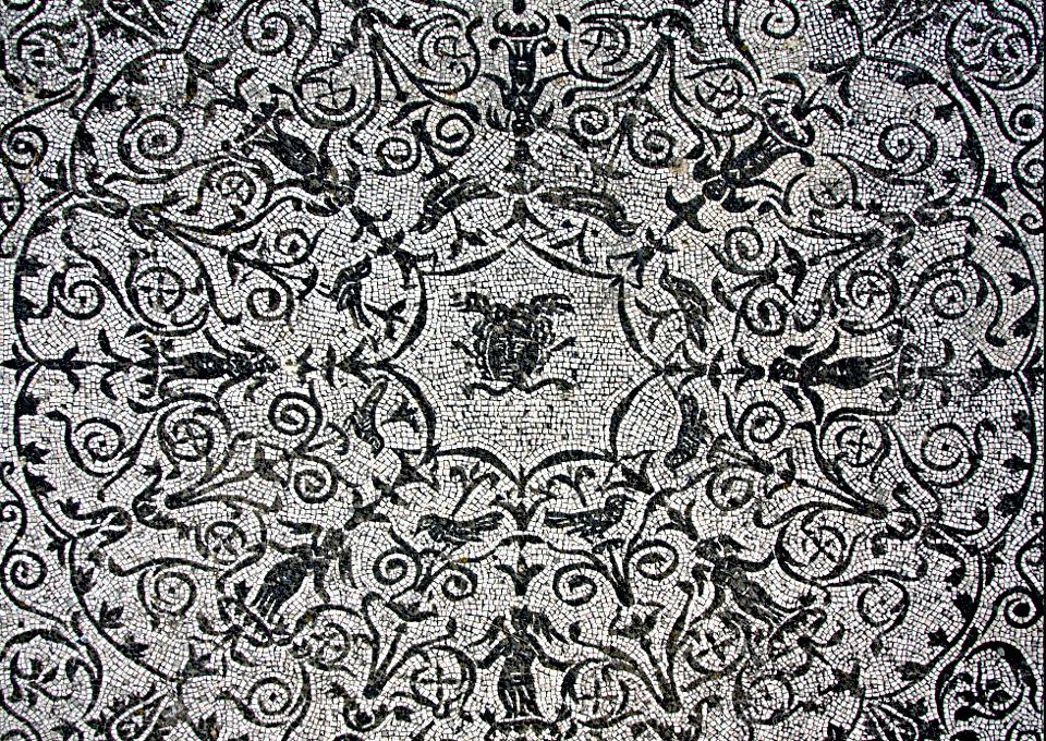 Il Mosaico della Medusa al Cesaggiato di Bacco e Arianna